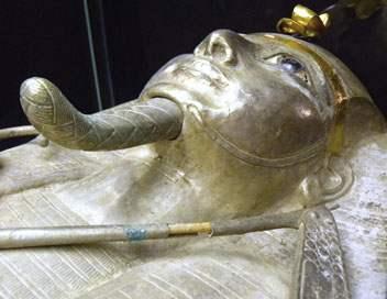 Le pharaon Psousennès 1er ou Pharaon d'argent