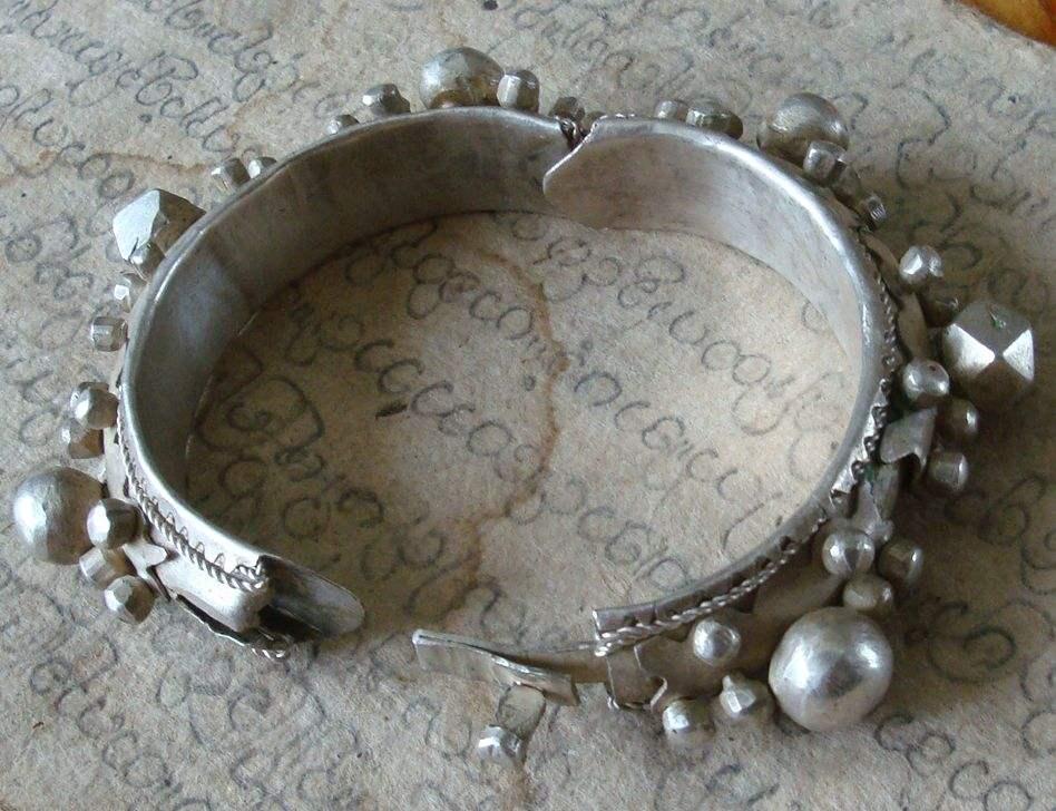 bracelet en argent de la tribu touaregJPG