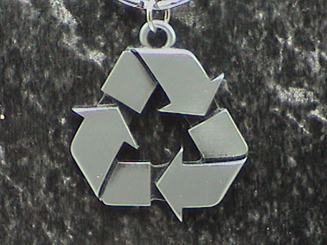 Silver_Recycle_Logo_Close_up